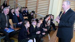 Stanisław Pieszko przypomniał, że szkoła w Mościszkach jest już drugą placówką na Wileńszczyźnie, która w darze otrzymała Kindle Fot. Marian Paluszkiewicz