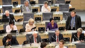 Sejm zatwierdził budżet na przyszły rok, który, według jego autorów, jest umiarkowanie pesymistyczny Fot. Marian Paluszkiewicz