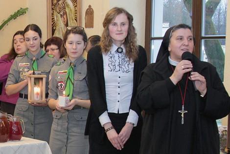 Siostra Michaela podkreśliła, że chociaż uznanie otrzymała jej osoba, jednak zaszczytem chce podzielić się z ludźmi, wraz z którymi pełni misję w hospicjum Fot. Marian Paluszkiewicz