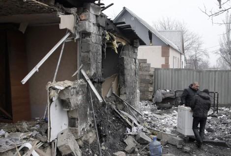 Pretekstem do napisania instrukcji posłużyły ostatnie wydarzenia w Donbasie Fot. EPA-ELTA
