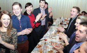 """Członkowie zespołu """"Zgoda"""" zebrali się na zabawie zapustowej w DKP Fot. Marian Paluszkiewicz"""