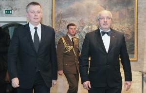 Szefowie resortów obrony Polski i Litwy Tomasz Siemoniak (pierwszy od lewej) oraz Juozas Olekas  Fot. Marian Paluszkiewicz