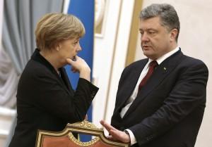 Prezydent Poroszenko zaznaczył, że porozumiano się o wycofaniu z terytorium Ukrainy obcych ugrupowań wojskowych               Fot. EPA-ELTA