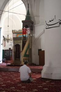 Umieszczanie w meczetach flag Tureckiej oraz Tureckiej Republiki Północnego Cypru ma podkreślać oparcie Turków cypryjskich w sąsiednim kraju Fot. Waldemar Szełkowski
