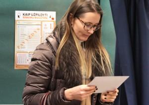 Należy mieć przy sobie dokument tożsamości i kartę wyborczą Fot. Marian Paluszkiewicz