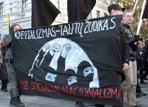 """Uczestnicy marszu """"Litwa dla Litwinów"""" otwarcie demonstrowali swoje przywiązanie do ideologii narodowego socjalizmu Fot. Marian Paluszkiewicz"""