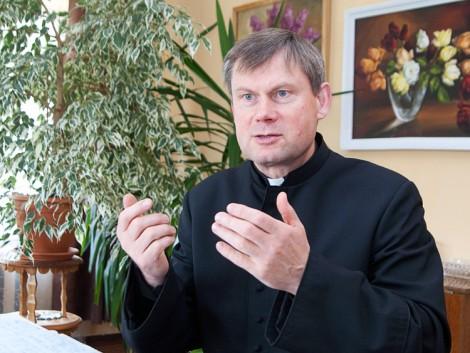 Ks. Józef Aszkiełowicz: słowa z Krzyża powinny być dla każdego z nas dopingiem do nawrócenia się Fot. Marian Paluszkiewicz