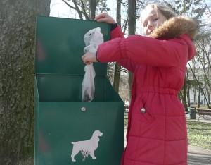 W Wilnie wciąż brakuje zielonych pojemników na psie odchody Fot. Justyna Giedrojć