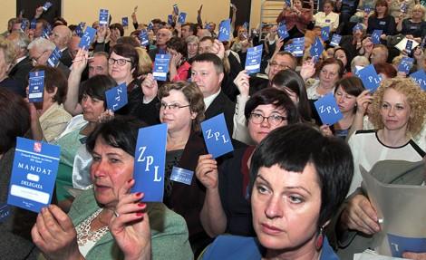Delegaci XIV Zjazdu ZPL niemal jednogłośnie wybrali Michała Mackiewicza prezesem organizacji na kolejną kadencję Fot. Marian Paluszkiewicz
