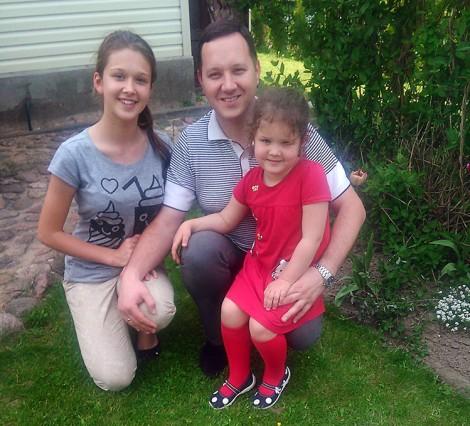 Agnieszka, mała Ewelinka i szczęśliwy tatuś  Fot. Julitta Tryk