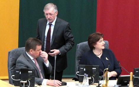 """W ciągu ponad 20 lat litewski Sejm zdołał znaleźć kolejną """"formalną"""" przyczynę, żeby odroczyć przyjęcie Ustawy o Pisowni Nazwisk     Fot. Marian Paluszkiewicz"""