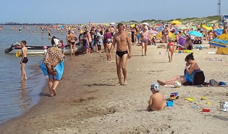 Człowiek przy człowieku – takiego widoku mieszkańcy wybrzeża nie widzieli od dawna  Fot. Honorata Adamowicz