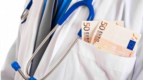 Najlepiej uciekać od lekarza, który wymaga pieniędzy Fot. archiwum