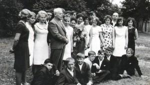 Po polskich klasach zostały już tylko wspomnienia: 27 ośmioklasistów z 1967 roku Fot. archiwum