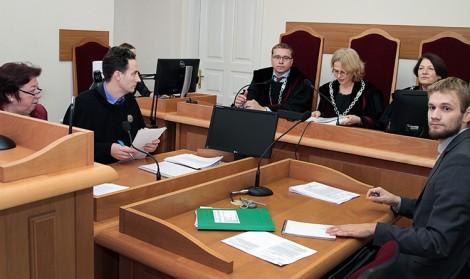 """Szkoła """"Konarskiego"""" przedstawiła w sądzie swoje racje, oskarżając samorząd stołeczny o nieprzemyślane postanowienia godzące w interesy uczniów i nauczycieli Fot. Marian Paluszkiewicz"""