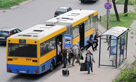 Zgodnie z obowiązującym prawem, wszystkie pojazdy dopuszczone do ruchu, a zwłaszcza te obsługujące transport miejski, poddawane są okresowym, drobiazgowym badaniom technicznym Fot. Marian Paluszkiewicz