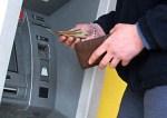 Krzyżowa droga uczciwego znalazcy znalezionej gotówki w bankomacie