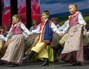 Burzę oklasków wywołali najmłodsi tancerze Fot. Marian Paluszkiewicz