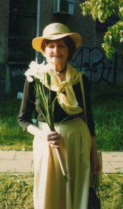 Leonilla Teresa Łastowska — zawsze elegancka, zadbana, na każde spotkanie stara się dobrać odpowiedni strój Fot. archiwum