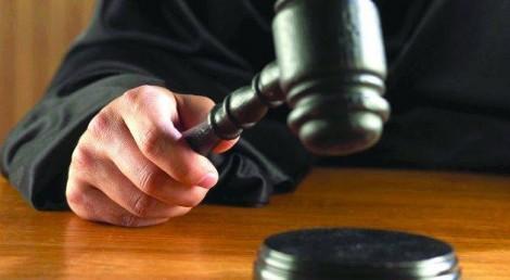 Za podstawowe gałęzie prawa uznaje się: prawo cywilne, prawo karne i prawo administracyjne Fot. archiwum