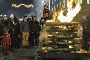 W sercu miasta zapłonęło 16 symbolicznych ognisk Fot. Marian Paluszkiewicz