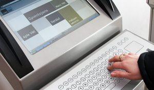 Mieszkańcy mogą zadeklarować pieniądze drogą elektroniczną lub w oddziałach inspekcji Fot. Marian Paluszkiewicz