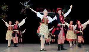 """W ciągu 11 lat swojego istnienia """"Perła"""" wielokrotnie reprezentowała Litwę i rejon wileński na festiwalach w Polsce, Białorusi, Bułgarii, Chorwacji, Macedonii"""