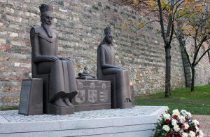 Dostojny pomnik Jadwigi i Jagiełły w Budapeszcie stanął w 2013 r. z inicjatywy ambasady RL Fot. archiwum