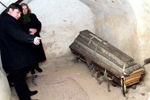 W podziemiach przypuszczalnie jest pochowany fundator kościoła Kazimierz Szetkiewicz i jego młoda córka Fot. Marian Paluszkiewicz