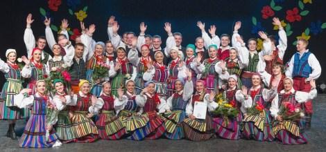 """Zespół Pieśni i Tańca Ludowego """"Zgoda"""" liczy swą niepowtarzalną działalność od roku 1988 Fot. M. Paluszkiewicz"""