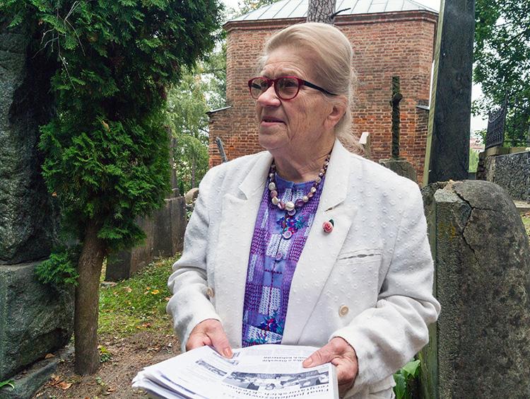 Jadwiga Pietkiewicz od wielu lat jest opiekunką wileńskich cmentarzy