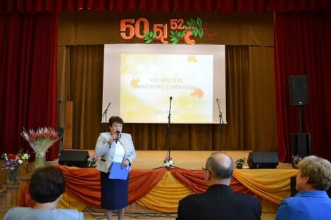 Dyrektor gimnazjum w Awiżeniach Waleria Orszewska cieszyła się z wielkich osiągnięć Gimnazjum w Awiżeniach Fot. vrsa.lt