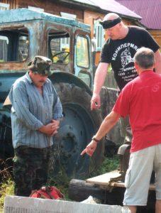 Należało się poruszać przez tajgę, a to jest możliwe tylko na traktorze Fot. archiwum