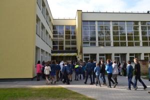 Odnowione Gimnazjum w Mickunach   Fot. I.Mikulewicz