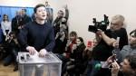 W II turze wyborów prezydenckich na Ukrainie spotkają się Zełenski i Poroszenko