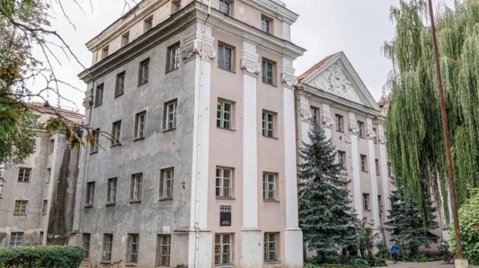 Pałace antokolskie. Dawna siedziba Słuszków