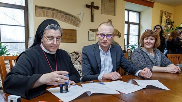 """Fundacja """"Pomoc Polakom na Wschodzie"""" działa na Wileńszczyźnie na wielu płaszczyznach"""
