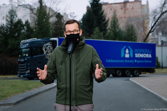 Morawiecki: Widać już światło w tunelu