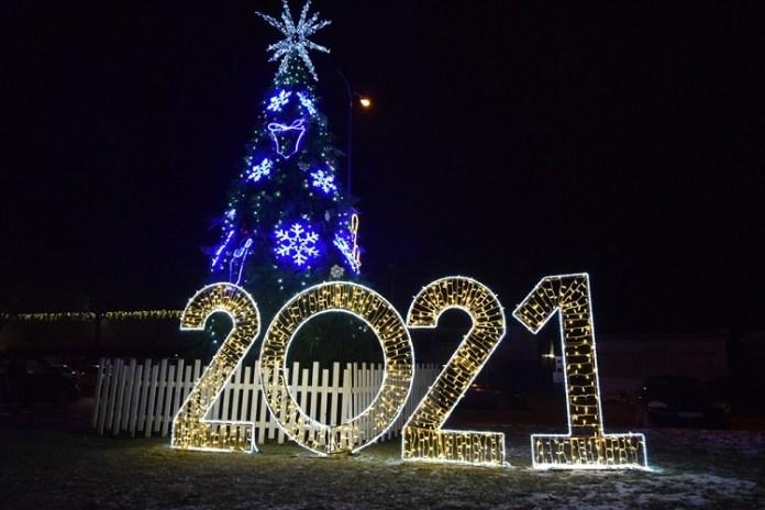 W rejonie wileńskim rozbłysły świąteczne choinki