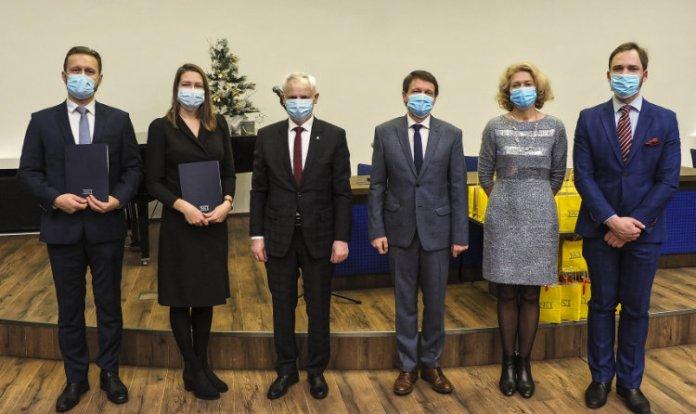 Wręczono stypendia im. prof. Kazimierza Pelczara