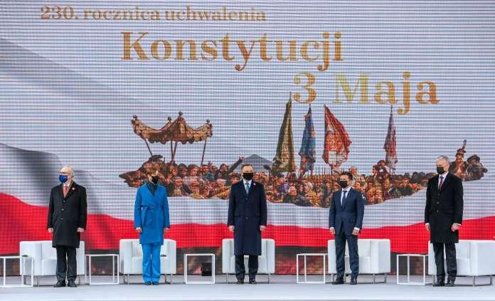 """Prezydenci Litwy, Polski, Estonii, Łotwy i Ukrainy podpisali wspólną deklarację. """"Dumni z osiągnięć, z nadzieją patrzymy w przyszłość"""""""
