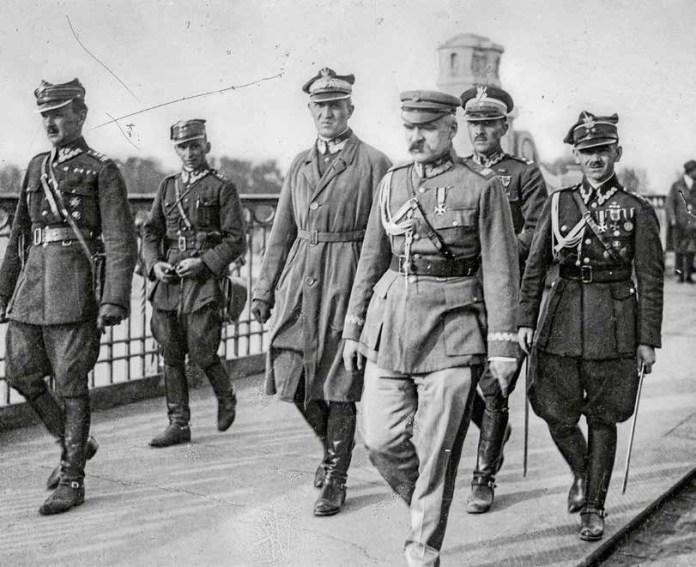 Litwa w owych dniach patrzyła na Polskę