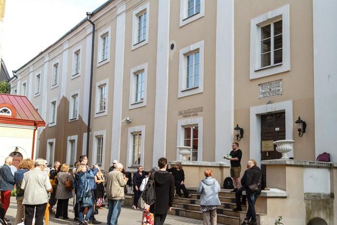 Lokalizację Celi Konrada ustalono ostatecznie według badań Juliusza Kłosa w latach 1921-1923