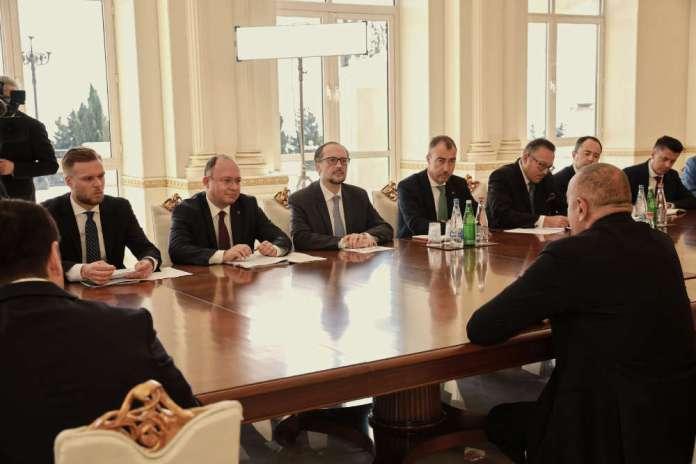 """Wizyta ministrów UE w Azerbajdżanie. """"Europę obchodzi bezpieczeństwo i stabilność"""""""