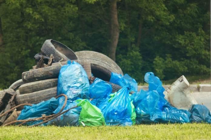 Mieszkańcy mogą pozbyć się wielkogabarytowych odpadów za darmo. Rejestracja mailem i przez telefon