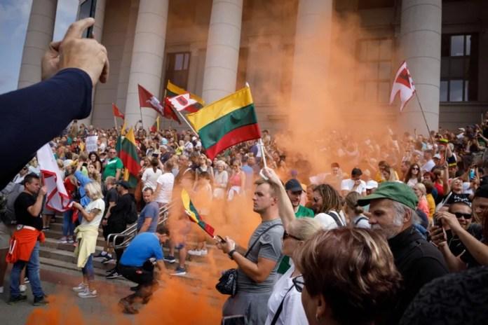 62 podejrzanych o udział w zamieszkach przed Sejmem