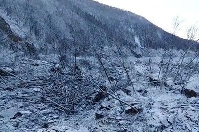 В Хабаровском крае нечто упало с неба и засыпало русло реки Бурея?