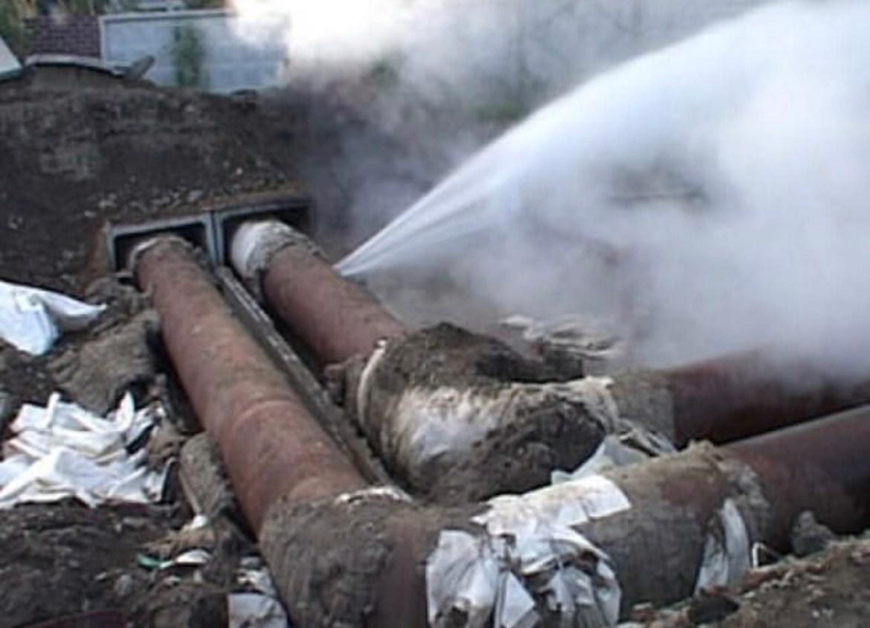 В Биробиджане авария на теплосети. Мэр Коростелёв заявлял, что отопительный сезон пройдёт без аварий