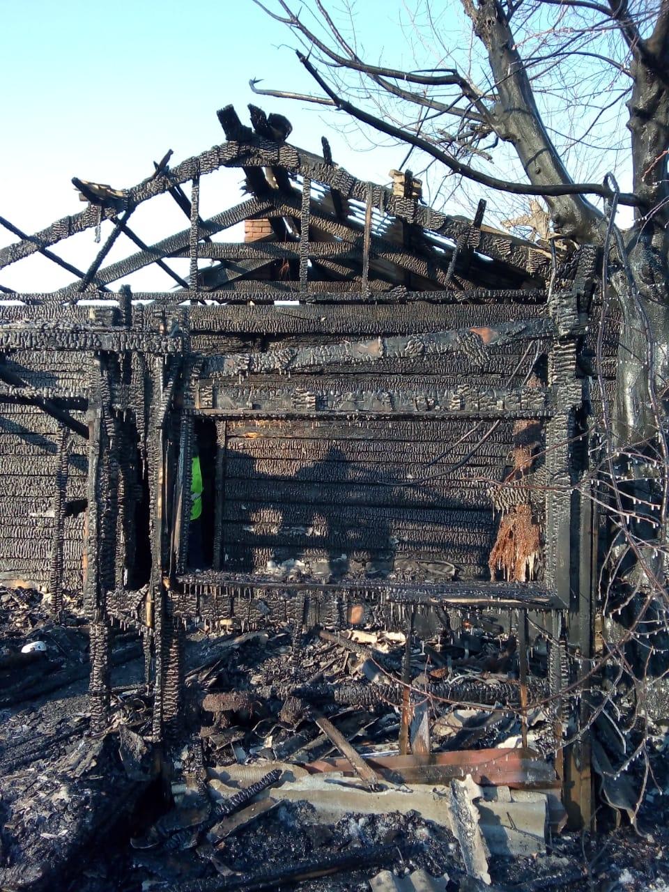В ЕАО в частном доме при пожаре погибло двое детей. Рядом не было ни одного взрослого