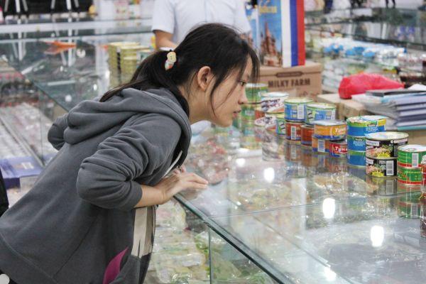 Говорят, китайцы сходят с ума от российских конфет и пива. Ну да. А от каких в особенности?